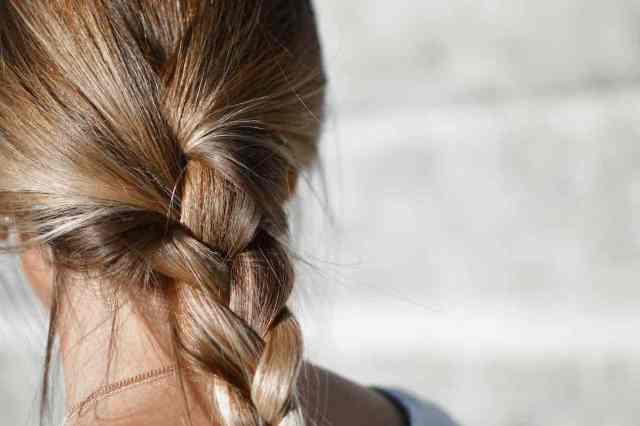 hábitos debilitan cabello