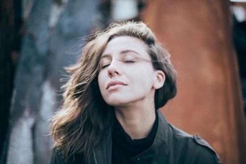 5 Ejercicios de respiración para calmar la ansiedad y despejar la mente