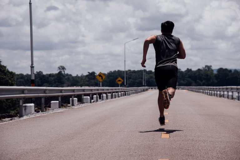 Cómo correr evita la depresión y ansiedad, según expertos