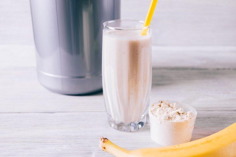 Licuado de plátano con café