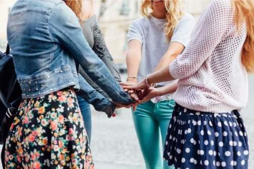 5 Ideas para celebrar el Día de San Valentín entre amigos