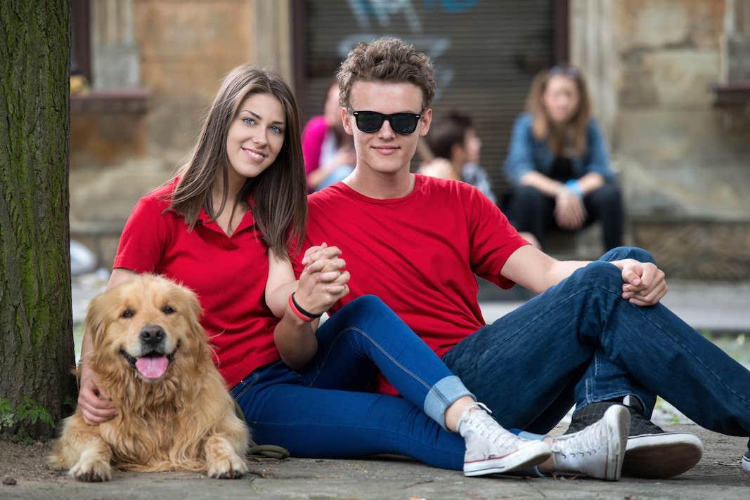 Porqué tener un perro con tu pareja puede ser la clave de la felicidad