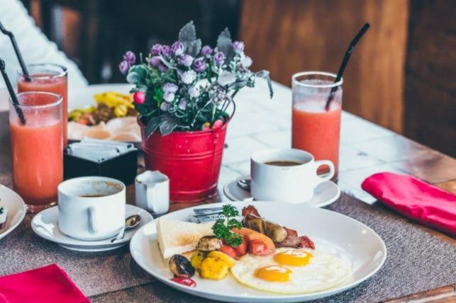 Iniciar tus actividades sin consumir previamente un desayuno nutritivo tiene efectos negativos en la salud y aumenta el riesgo de enfermedades.