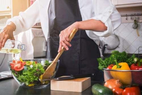 5 Recetas saludables de ensaladas con menos de 100 calorías