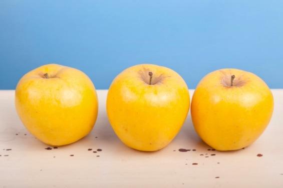 La manzana Golden delicious está compuesta 85% de agua por lo que es muy hidratante.