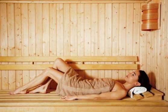 Uno de los principales beneficios de la sauna es ayudarte a reducir los niveles de estrés.