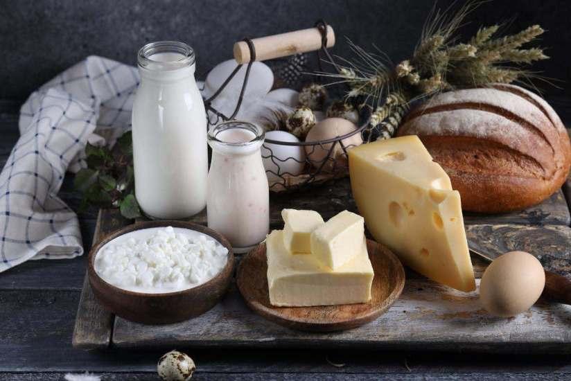 Porqué el yogurt griego sin azúcar y otros productos lácteos son buenos para tu salud