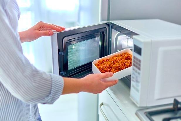 Parece difícil de creer, pero en el micro puedes cocinar un pasta exquisita.