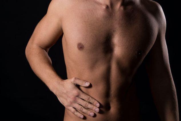 El hígado es uno de los órganos más importantes y complejos del cuerpo. Por eso es importante desintoxicarlo después de la resaca.