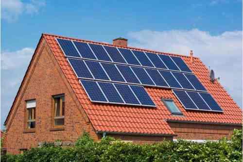¿Cómo te beneficia utilizar energía solar en casa?
