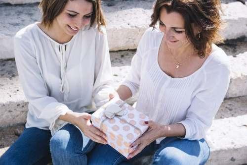 5 Artículos de belleza que son regalos perfectos para mamá