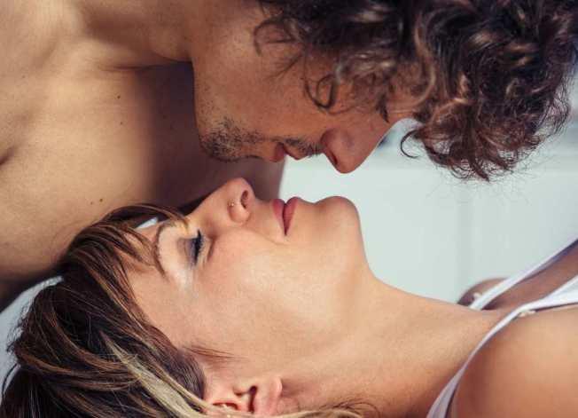 La finalidad del slow sex es tener orgasmos intensos, por lo que es básico controlar la excitación.
