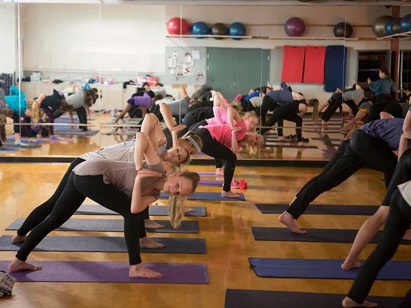 CORE-camp-off-ice-yoga-class-american-ice-theatre
