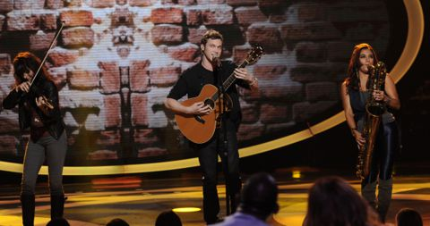 American Idol 2012 Phillip Phillips performs