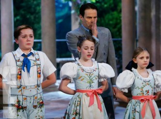 Carrie Underwood in The Sound of Music 5