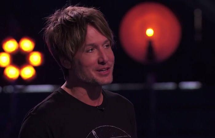 Keith asks Hopefuls if they like his new 'do