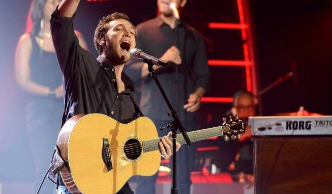 "Phillip Phillips performs ""Raging Fire"" on Idol"