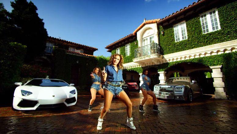 "Jennifer Lopez in ""I Luv Ya Papi"" – 03"
