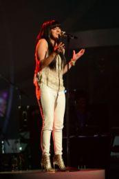 Jena Irene performs on Idol Top 6
