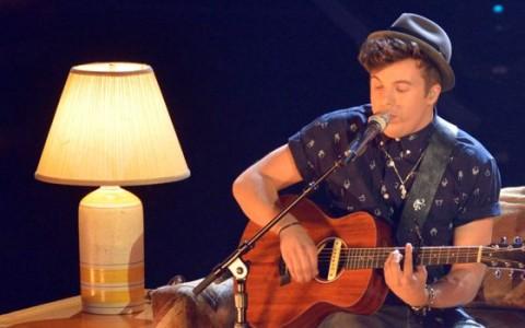 Alex Preston serenades a lamp
