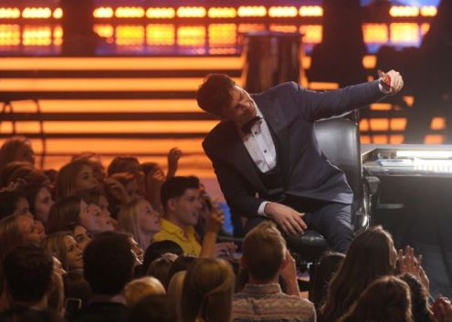 american-idol-2014-finale-12-harry-audience