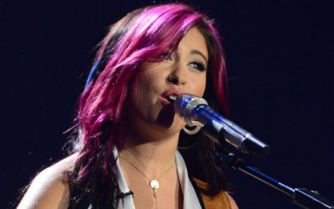 Jessica Meuse performs on American Idol 2014