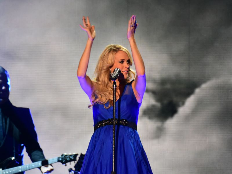 Carrie Underwood performs at the ACCAs 2014 – 02