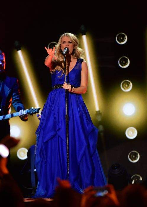 Carrie Underwood performs at the ACCAs 2014 – 03
