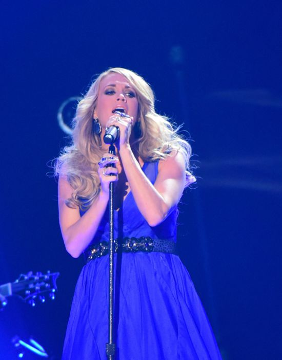 Carrie Underwood performs at the ACCAs 2014 – 05