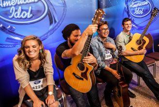 American Idol 2015 Hopefuls prepare to audition - 01