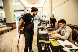 American Idol 2015 Hopefuls prepare to audition - 08