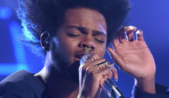 Quentin Alexander performs on American Idol Top 6