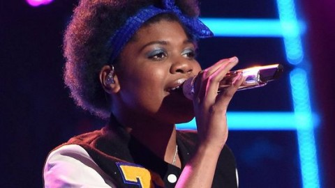 Tyanna Jones performs on American Idol 2015