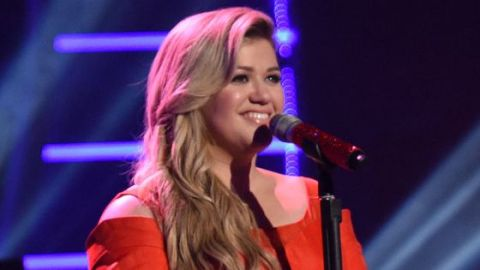 Kelly Clarkson returns to American Idol 2015