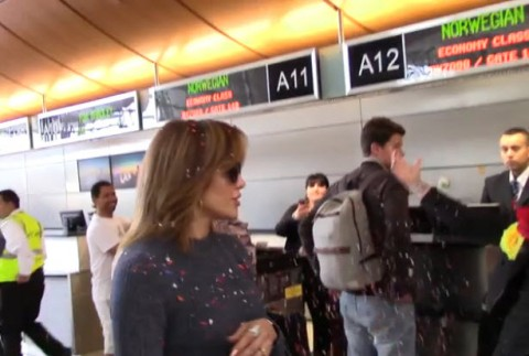 Jennifer Lopez short hair gets confetti-bombed