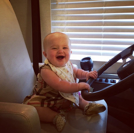 Kelly Clarkson baby River Rose 3
