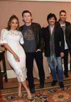 american-idol-2016-tca-party-05-group