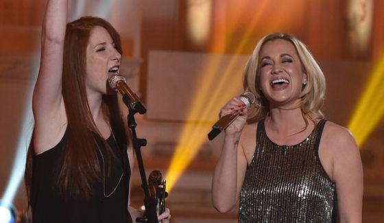 Amelia Eisenhauer & Kellie Pickler sing on American Idol 2016