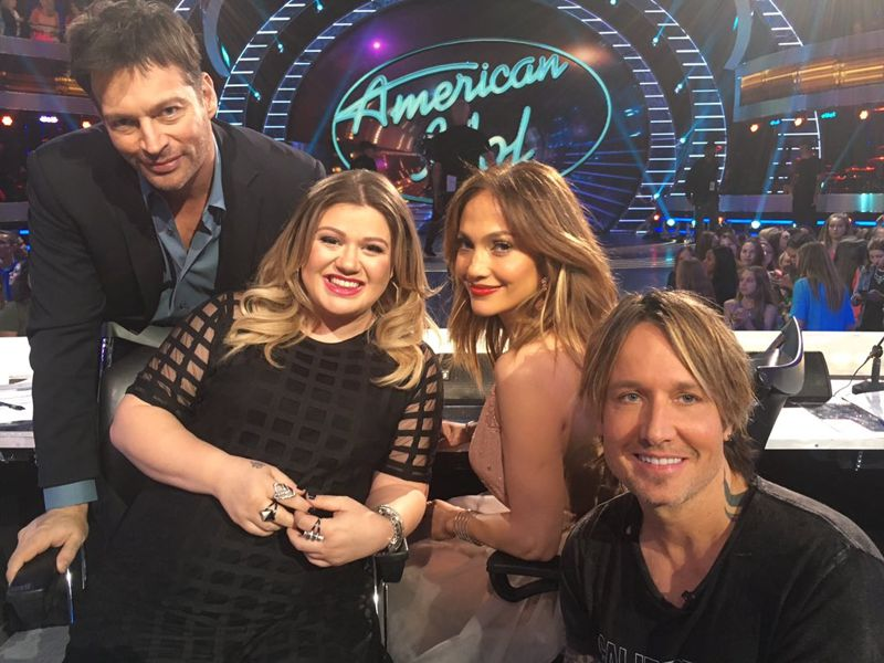 american-idol-2016-top-10-kelly-clarkson-01