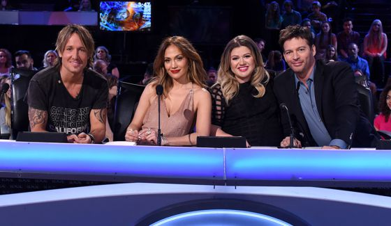Kelly Clarkson joins American Idol Judges