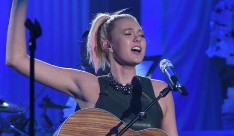 Olivia Rox sings in the Top 24 on Idol