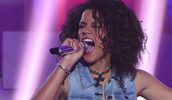 Tristan McIntosh performs on American Idol 2016