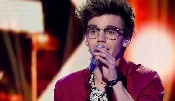 MacKenzie Bourg sings on American Idol 2016