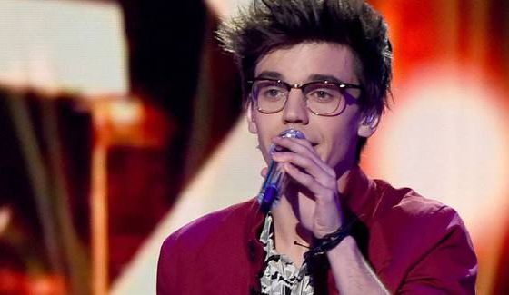 MacKenzie Bourg sings on American Idol 2016