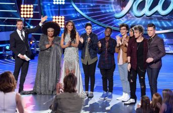 american-idol-2016-top-8-group