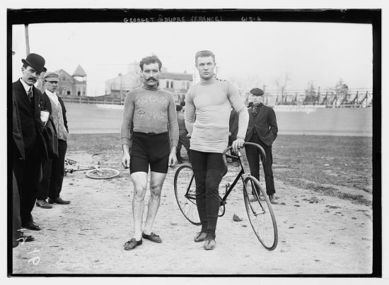 The cyclists in their sports gear, look startlingly modern.