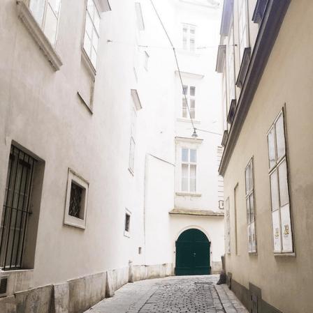 vienna austria hidden alleyways