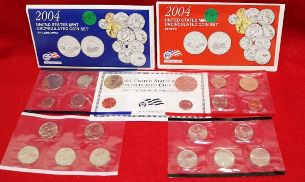 2004 Uncirculated Coin Set pict