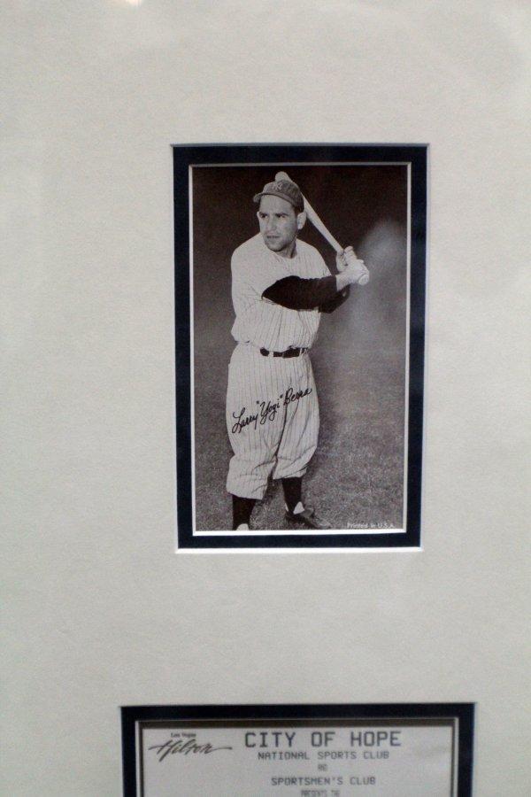 Yogi Berra Autograph Photo old pict