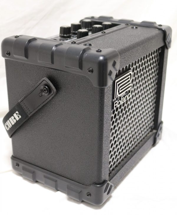 Roland Micro Cube Amp side2